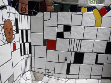 Hundertwasser toilet (scaled)